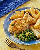 Breaded fish fillet with vegetables & potato sticks
