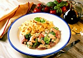 Chopped turkey with vegetables in balsamic sauce & farfalle