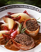 Venison medallions with pears and red onions