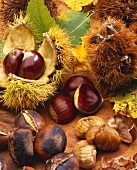 Sweet chestnuts, with & without shells & roasted