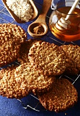 Honey oat and cinnamon cookies