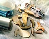 Sliced mushrooms (for freezing) and freezer bag