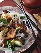 Pork with spring onions, mushrooms & glass noodles