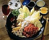 Cheongol (Koreanischer Fleisch-Gemüse-Teller mit Nudeln)