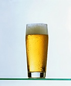 A glass of beer (light)