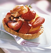 Strawberry and nectarine tartlet