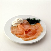 Smoked wild salmon with horseradish & dill on plate