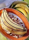 Maxi-banana (banana-shaped cake)