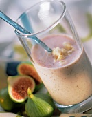 Banana and fig flavoured milk