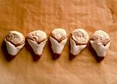 Christmas biscuits: Irmi's walnut cookies (Stanitzel)