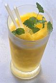 Alkoholfreier Mango-Drink