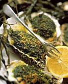 Gratinierte Austern mit Algenhaube