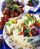 Woodruff cheesecake with strawberries