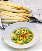 Asparagus soup with spring onions and croutons