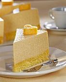 Sponge cake with melon mousse