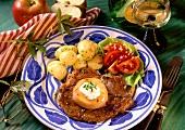 Kotelett mit Apfelscheibe, Petersilienkartoffeln als Beilage