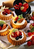 Tartlets with cream cheese mousse and fresh fruit