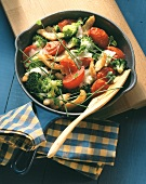 Vegetable stir-fry with tomatoes, broccoli & chicken