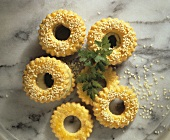Cheese biscuit rings with gorgonzola cream
