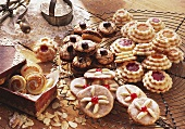 "Christmas biscuits: gingerbread, terrace biscuits, ""coffee beans"""