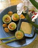 Japan-Snack: Gurkenringe mit Lachsfüllung