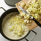 Adding leek to cream sauce