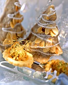 Small florentines and gingerbread fir tree