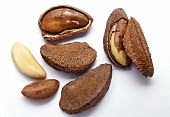 Brazil nuts with and without shells