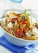 Penne all'arrabbiata (Penne with tomatoes and Parmesan)