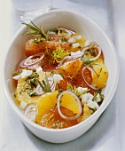 Spicy orange salad with fennel, onions and herbs