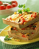 Wholemeal pizza with vegetable topping