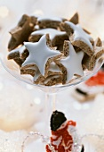 Cinnamon stars with quince jelly
