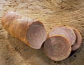 Andouille de Guémené: Wurst aus Schweine-o. Kalbsdarmstreifen