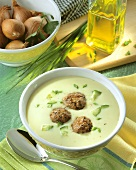 Cream of cucumber soup with meatballs