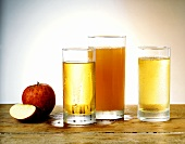 Clear & naturally cloudy apple juice and apple drink
