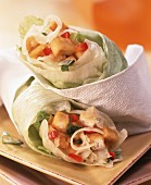 Salad wraps with spicy tofu and kohlrabi filling