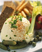 Cream cheese with gherkins, crudités & wholemeal bread