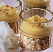 Mango mousse with coconut milk