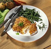Pork escalope in potato crust with green beans