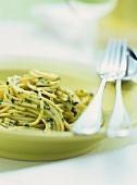 Spaghetti al pesto genovese (Spaghetti with pesto, Italy)