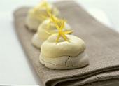 Vanillebaiser mit Zitronencreme