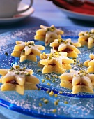 Marzipan almond stars with pistachios