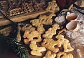 Shaped biscuits (Spekulatius) with wooden mould