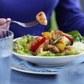 Salad leaves with chicken breast, pineapple, peppers & beans