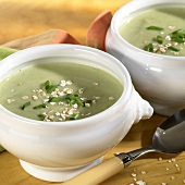 Leek and potato soup, garnished with oat flakes