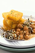 Polenta e ceci (Chick-pea salad with fried polenta)