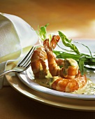 Shrimps with tarragon on Bearnaise sauce