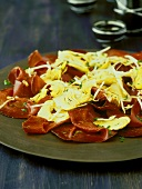 Bresaola con i carciofi (air-dried beef with artichokes)