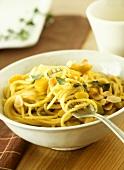 Spaghetti alla zucca (Spaghetti with pumpkin & flaked almonds)