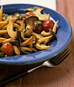 King oyster mushrooms with  noodles & cocktail tomatoes